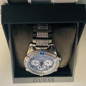 GUESS FRONTIER STAINLESS STEEL BRACELET WATCH
